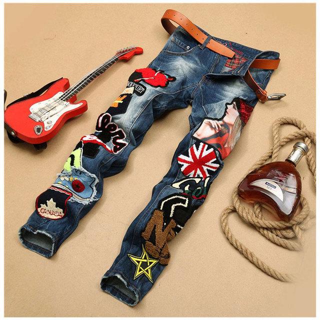 Мужская лоскутное джинсовые синие джинсы локомотивные вышивка красоты знак прохладный ...