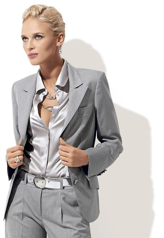 Custom Fashion Light Grey Women Tuxedos Peaked Lapel Suits