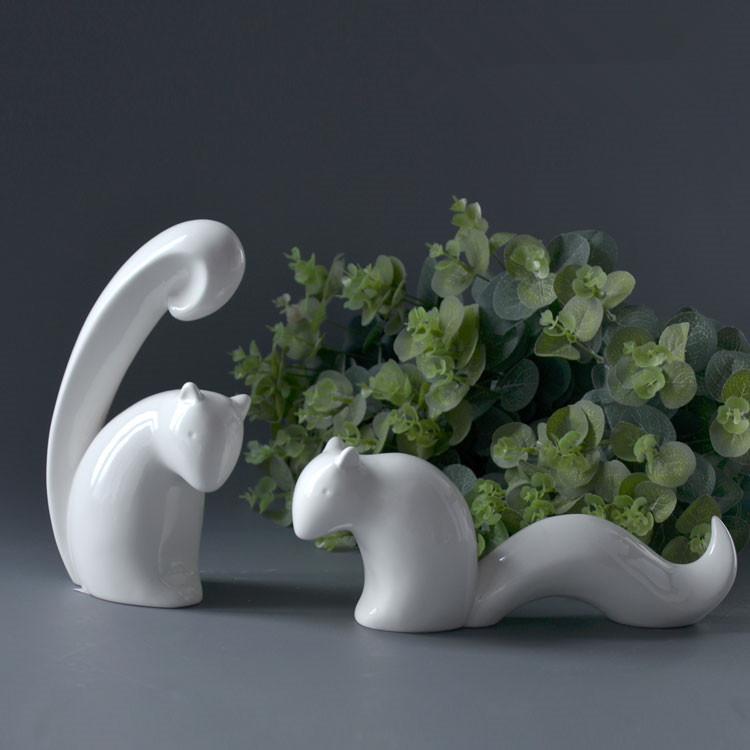 Здесь можно купить  creative handmade white ceramic squirrel figurine porcelain squirrel statue   Дом и Сад