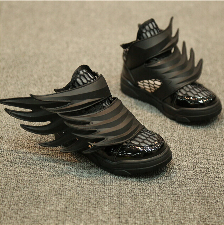 The new boy sports sandals 2015 explosion models hot Korean girls fashion shoes shoes hollow wings SM033<br><br>Aliexpress