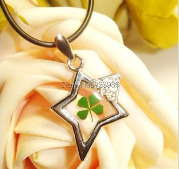 Free Shipping $46 50pcs Super green lucky Four Leaf Clover Magic star design cool summer pendant(China (Mainland))