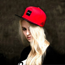 2016 New Men Womens NUEVO Letters Solid Color Patch Baseball Cap Hip Hop Caps Leather Sun Hat Snapback Hats Men Women Red Black