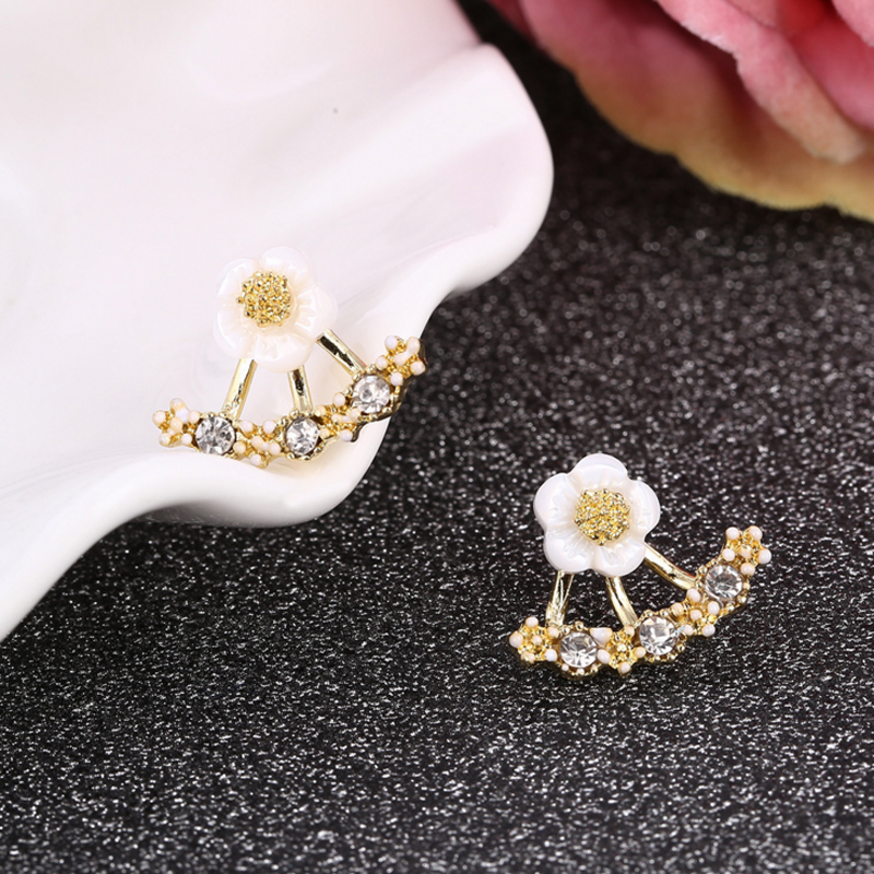 2 Pairs Fashion Women Girls Jewelry Accessories 3 Colors Crystal Rhinestone Shell Shape Ear Stud Small Daisy Flowers Earrings(China (Mainland))