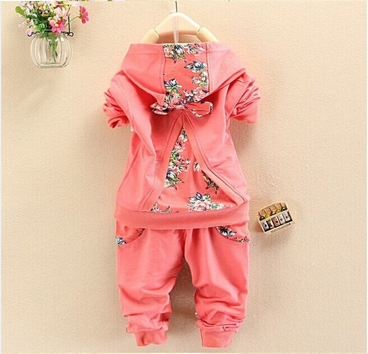 2015 Spring Autumn baby girls christmas outfits Sport suit cloТонкийg set Детский hoodies Брюки kids minnie mouse clothes sets