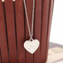 Valentine s Day Gift God of love Heart Paw Claw of Dog Kitty Cat Pendant Necklace