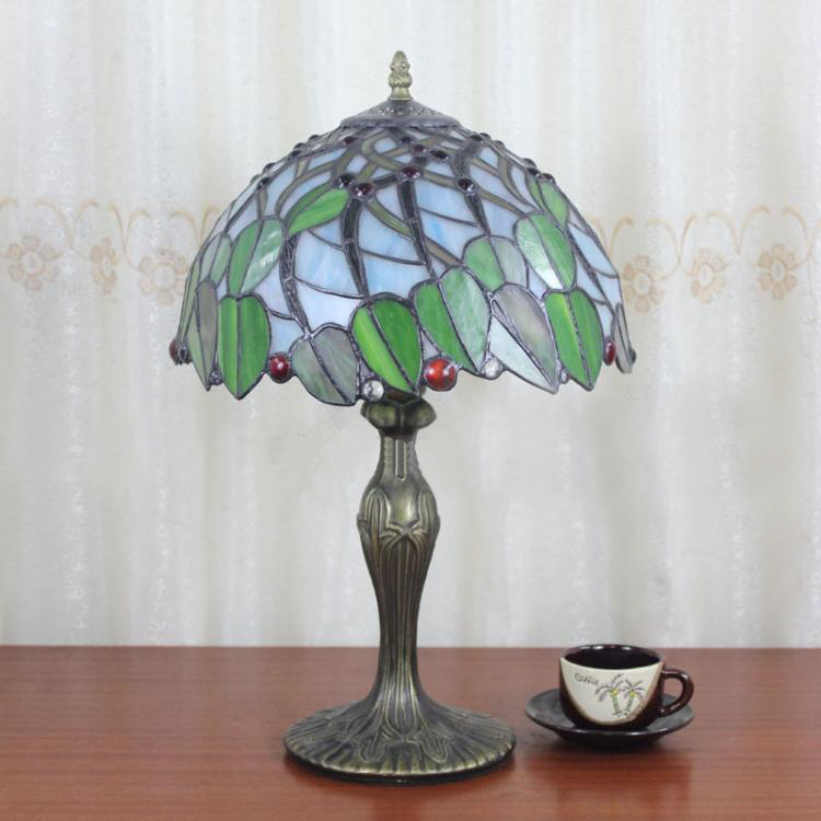European Traditional Tiffany Style Table Lamp With Stained Glass Shade Vintage Leaves Pattern Desk Lamp Dia30cm(China (Mainland))