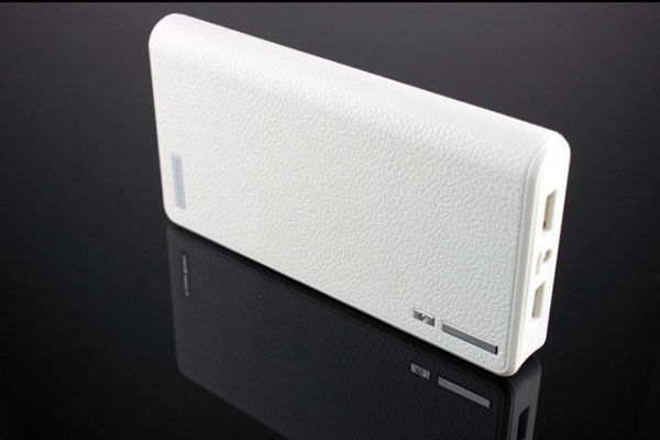 Fashion External Battery Mobile Phone Charger Power Bank Box Backup Power Shell With LED Flashlight (with battery) free shipping(China (Mainland))