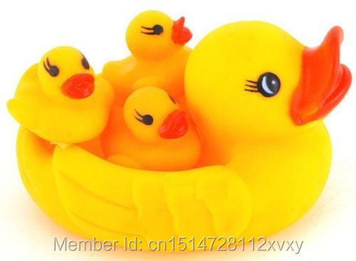 Baby Bathing Developmental Toys Water Floating Squeaky Yellow Rubber Ducks(China (Mainland))