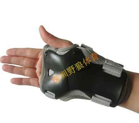 Propro Brand EVA Ski/Skiing/ice Skating Snowboard Hand Palm Wrist Guard Protective Gear Sport Safe for Child/Men/Women(China (Mainland))