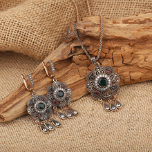 2016 Vintage Turkish Jewelry Sets Green Flower Pendant Antique Gold Plated Princess Hooks Long Pendientes Necklace Earrings Set(China (Mainland))