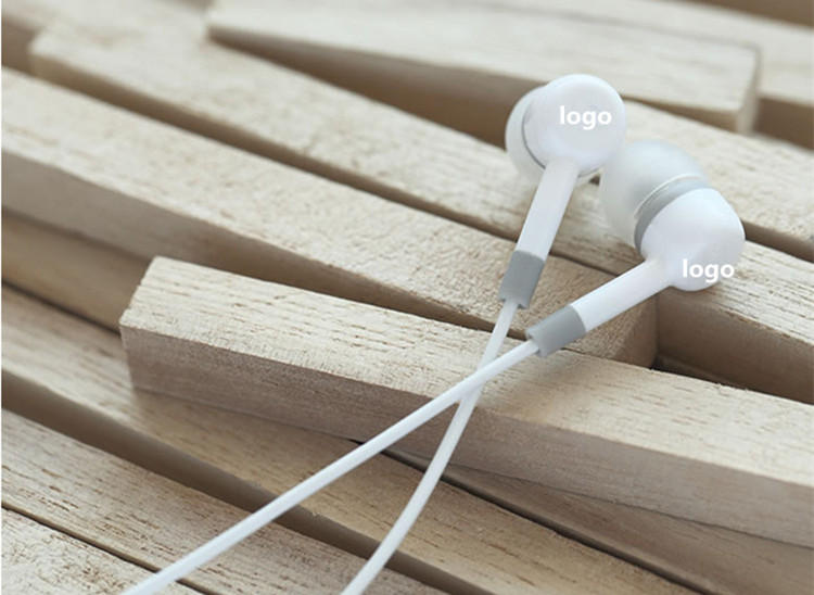 Stylish Universal 3.5mm Jack Standard In-Ear Headset Stereo Wired Earphones Headsets Earbuds For Samsung Sony HTC iPhone xiaomi(China (Mainland))
