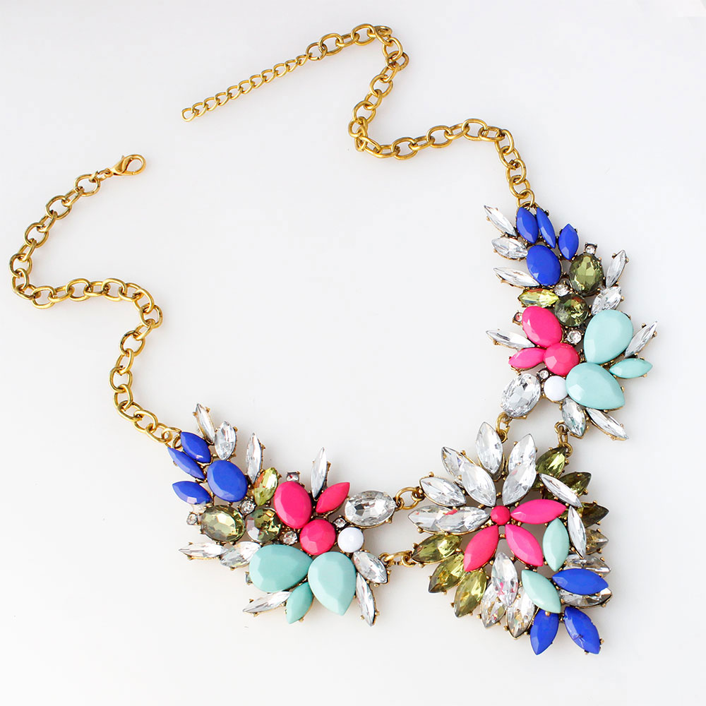 2016 stylish and elegant color Flower Rhinestone Necklace Jewelry shop girl fashion charm necklace for women(China (Mainland))
