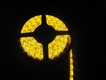 High Quanlity Free Shipping 12V 5M 5050 LED SMD strip Flexible light yellow wholesale and retail