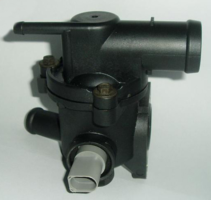 FOR VW SKODA DEGREES THERMOSTAT HOUSING AUTO ENGINE PARTS THERMOSTAT HOUSING THERMOSTAT HOUSING ASSEMBLY 047 121
