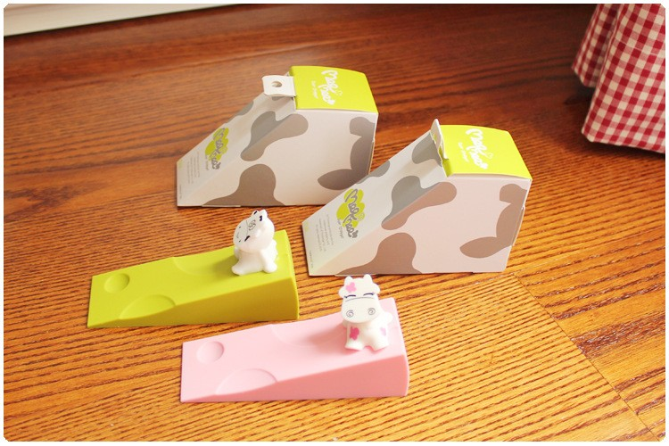 1 pic kids Cow cartoon child safety door stop baby splines creative windproof door plug of silica gel Child safety cabinet TAQ34