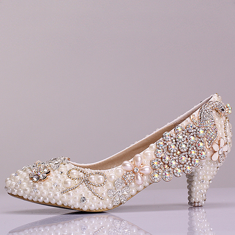 beautiful luxury rhinestone bridal shoes