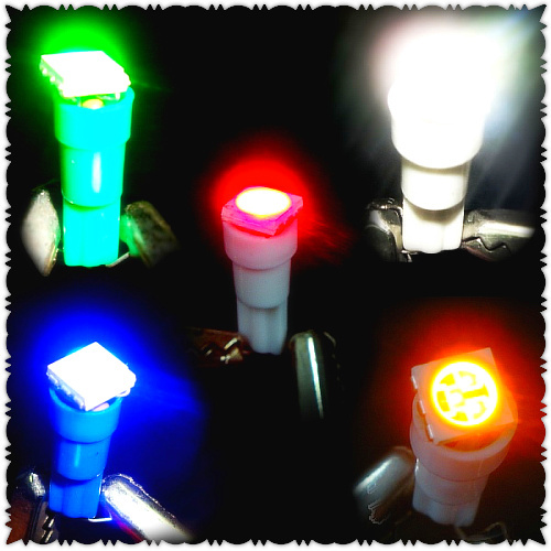 Free shipping T5/5050 three chips / LED car bulbs / The width light / lamp / LED dash light / multi-color(China (Mainland))
