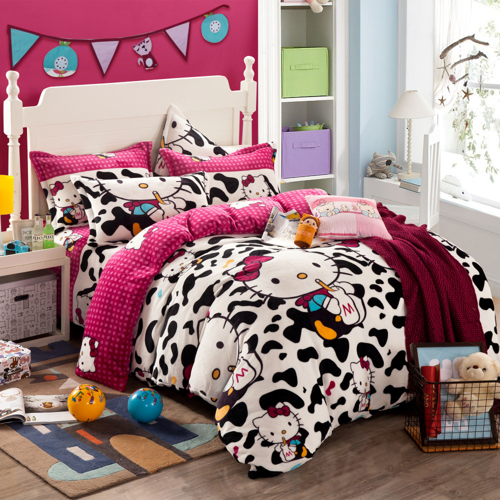 white and black comforters and quilts hello kitty. Black Bedroom Furniture Sets. Home Design Ideas