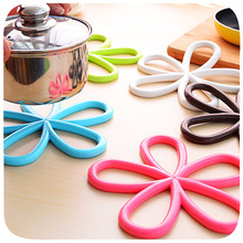 Free shipping Quincunx anti-hot insulation pad potholders kitchen non-slip doily placemat Insulation pad(China (Mainland))