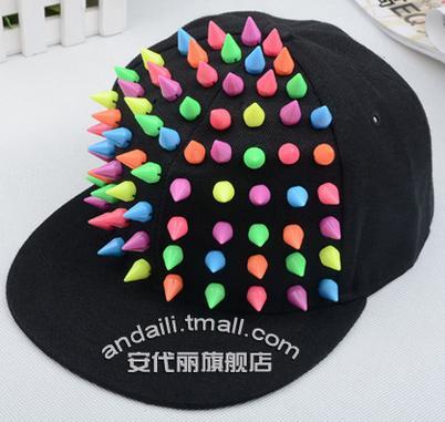 free shipping 2016Korean version of the man or woman rivets punk hat rivets baseball cap(China (Mainland))