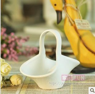 2pcs/lot, free shipping Furnishings fun ceramic flower basket mini vase home decoration wedding gift(China (Mainland))
