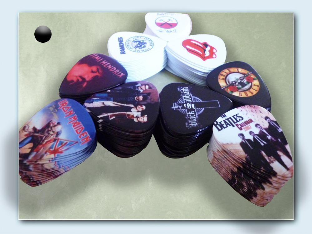 Wholesale Famous Metallica Band Logo Guitar Picks(China (Mainland))