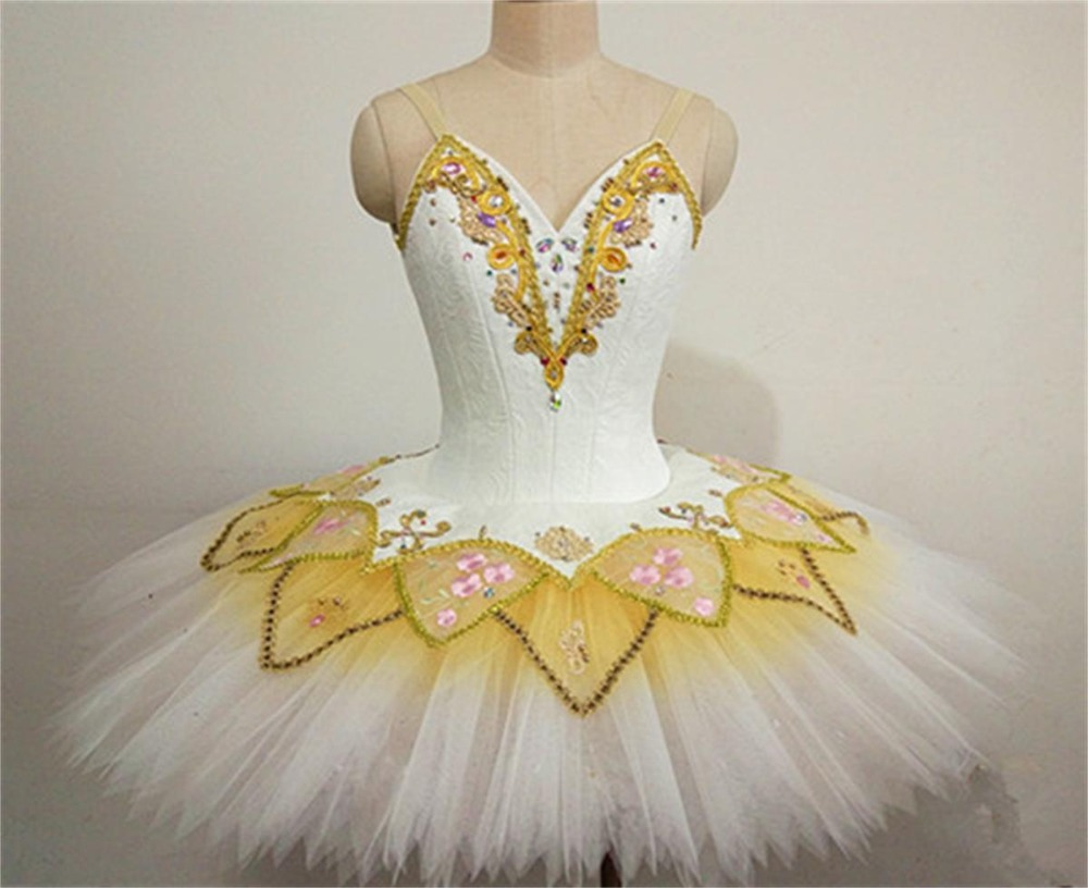 Sleeping beauty dress ballet performance Hard yarn swan  employs professional game disc luxuriant ballet dress palace