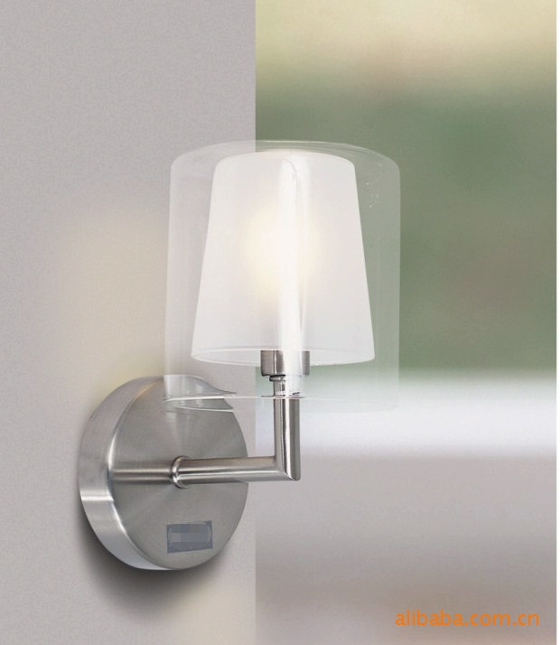 Simple and elegant fashion to say is it - the Italian modern and stylish modern wall lamp lighting CHM(China (Mainland))