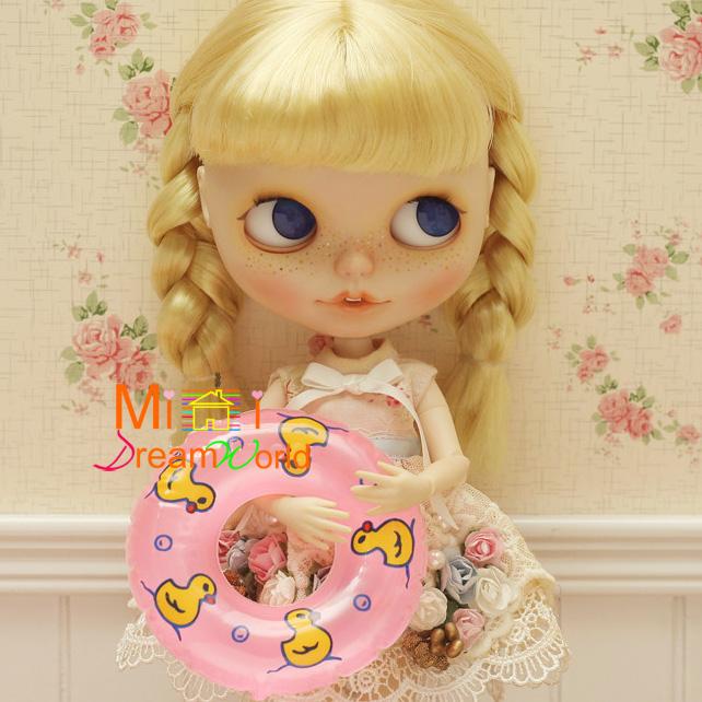 1/6 Scale Dollhouse Miniature Toy Plastic Swim Ring life Buoys Width 8.5CM()