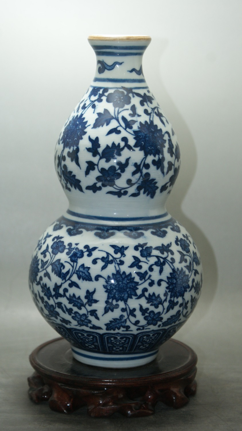 Fine chinese old blue and white porcelain glaze gourd vase for Decorating with blue and white pottery