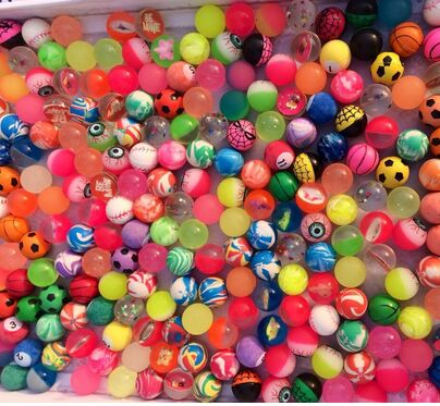 3 piece rubber ball elastic ball will float on the water / frosted / night shine / play / double color matte / elastic toy ball(China (Mainland))