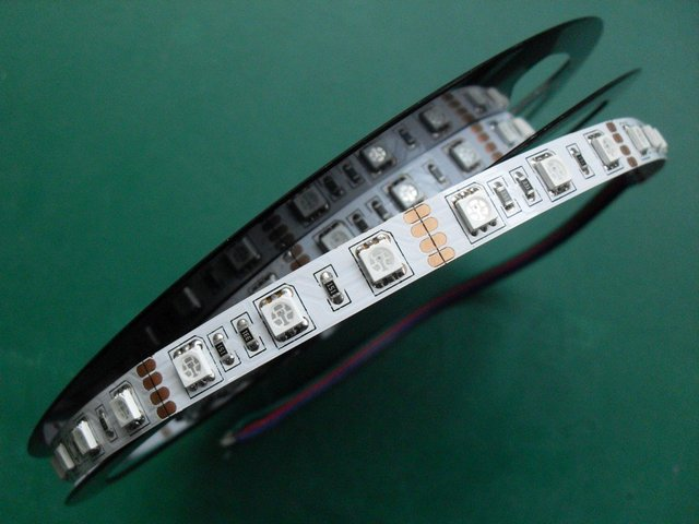 5m(one roll) 5050 SMD 60LEDs/m led strip,non-waterproof ;warm white color;