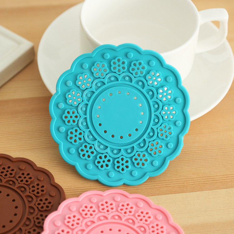 Colored silicone flower floral Cup Mat Felt accessories table Kitchen Tea Placement Coaster Crochet Novelty households Gift(China (Mainland))