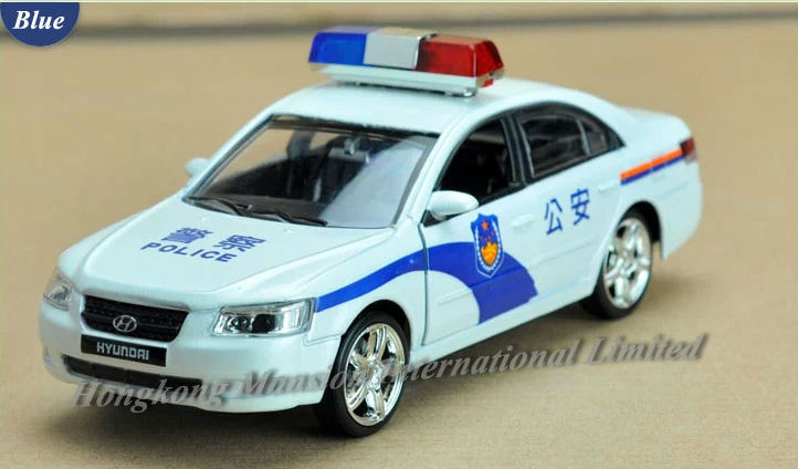 1:32 Scale Alloy Diecast Metal Police Car Model For Hyundai Sonata Collection Model Pull Back Toys Car With Sound&Light - White(China (Mainland))