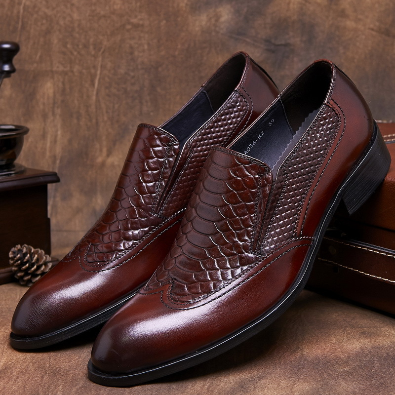 Serpentine grain brown /black mens dress shoes genuine leather pointed toe mens business shoes fashion mens formal wedding shoes<br><br>Aliexpress