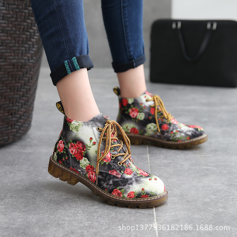 2015 winter boots Vintage Lace print fashionista boots flat with thick shoes Binhui shoes Merchandiser<br><br>Aliexpress