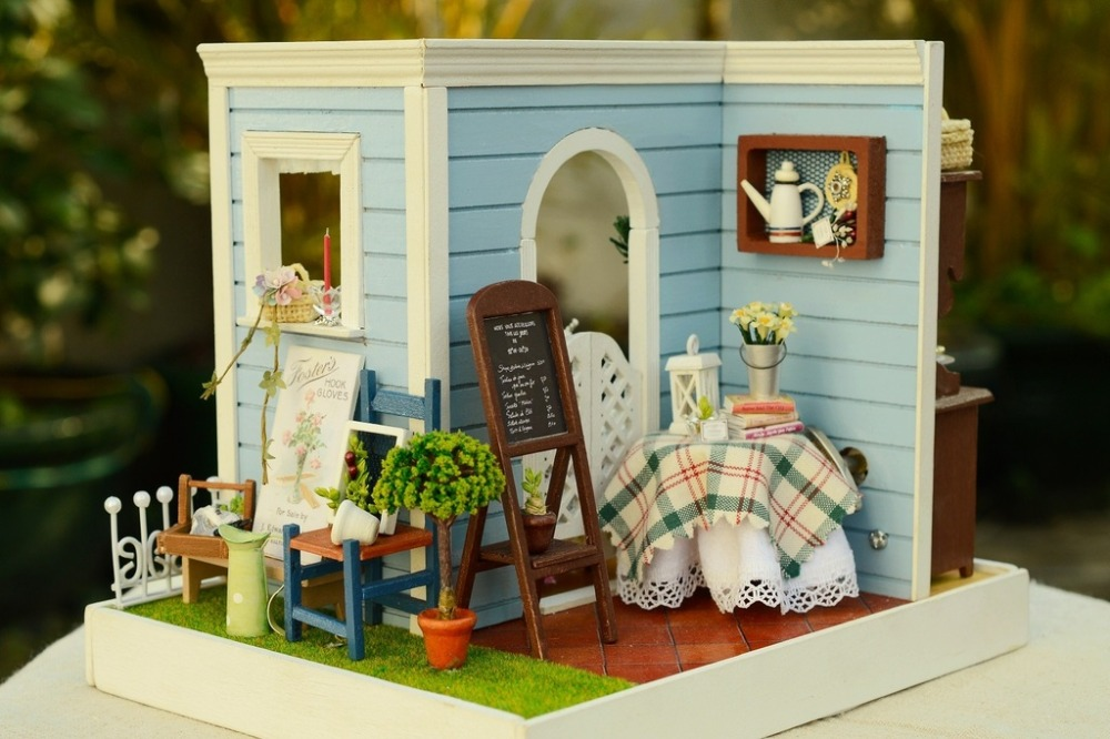 DIY Wooden Dollhouse Miniatures Handcraft 3D Kits -- Room Coner & More Parts/furniture english instruction LED Light(China (Mainland))