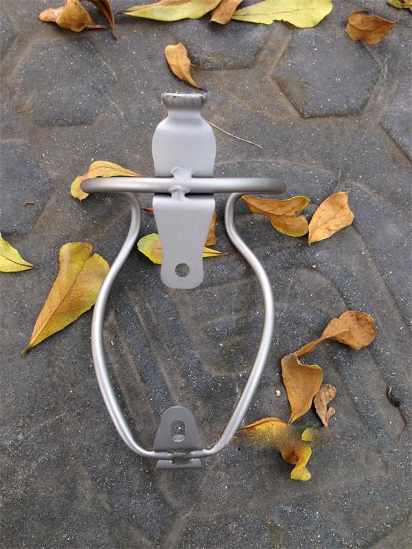 Titanium Ti Outdoor Bicycle Bottle Cage Holder Riding Racing Hollow Titanium Tube Bottle Cages(China (Mainland))