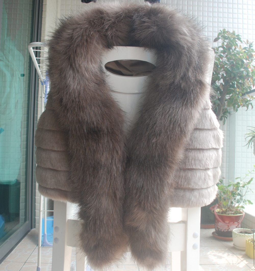 Фотография Plus Size Sleeveless Fake Fur Coats For Women Faux Fox Rabbit Fur Short Vest With Fox Fur Collar Colete Pele Jacket Spring Gilet