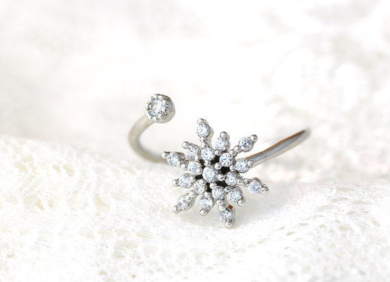Free Shipping! 1Pcs Tiny Wonder Snowflake Ring Bride Jewelry in Silver/Gold Wholesale Free Shipping(China (Mainland))