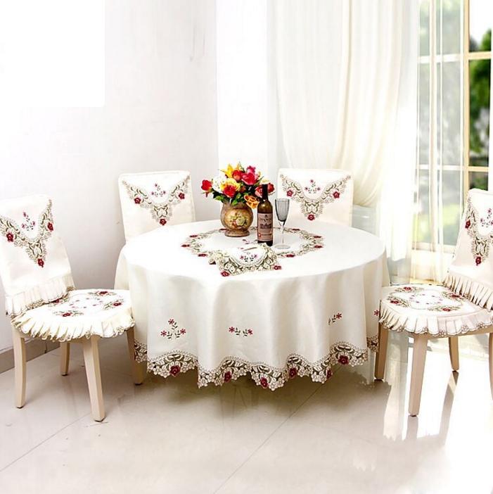 Cream tablecloth wedding
