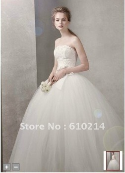 Tulle/Netting Lace Apliqued Ball Gown Bridal/Wedding Gowns 2012 Brand New Style