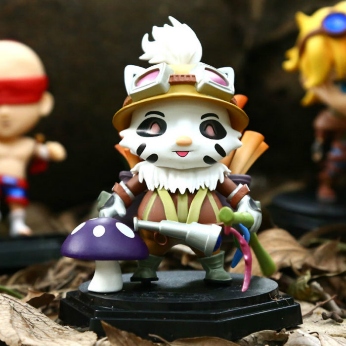 Smile Teemo The Swift Scout Car/Table Decoration 14CM Action Figure Resin Toys Collection Gift(China (Mainland))