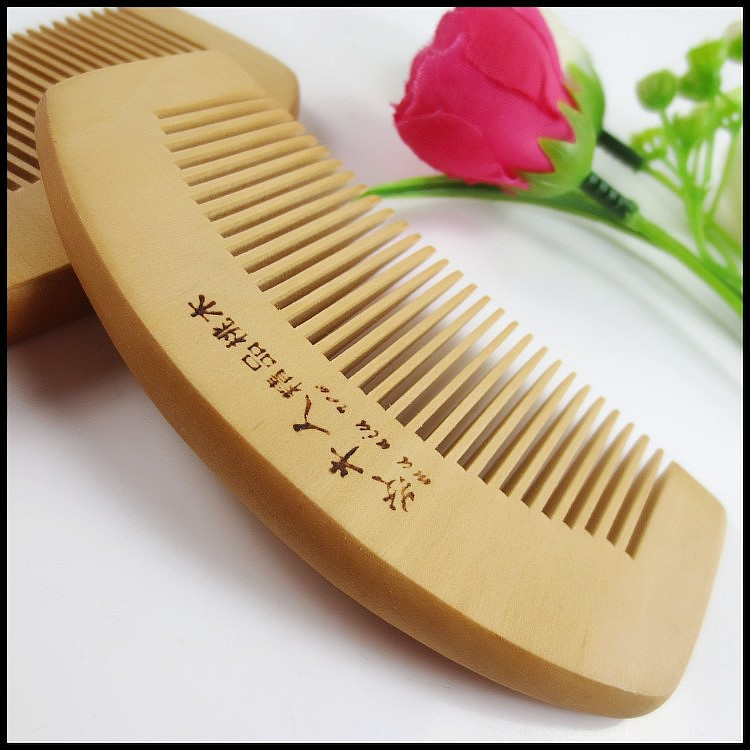 Small Natural Peach Wood Small Comb Bend Back Wooden Comb 10*5*0.8cm Free Shipping(China (Mainland))
