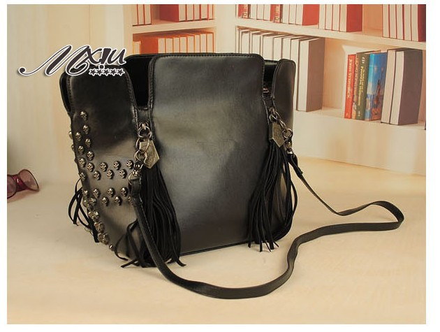 Retro Tassel Bucket Skulls Shoulder Bag Fashion Bag 57