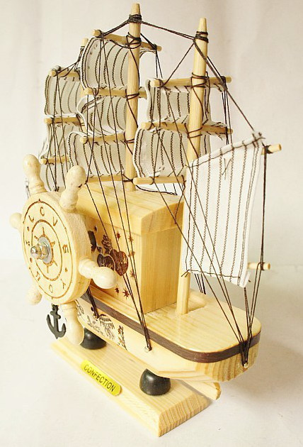 small sailboat sailboat model music Beautifully colored wooden music box crafts -70414(China (Mainland))