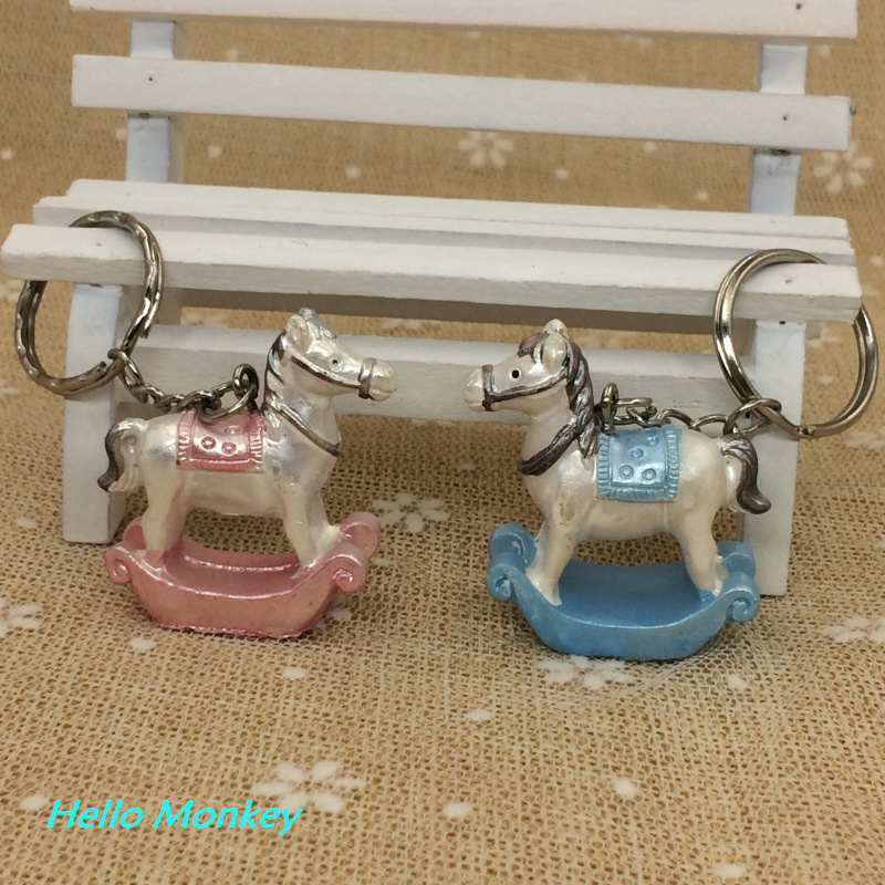 2pc Wedding Party Gift Favor Decoration Blue Small Wooden Horse Keychains Baby Shower Favors Keychain Favors wedding decor(China (Mainland))