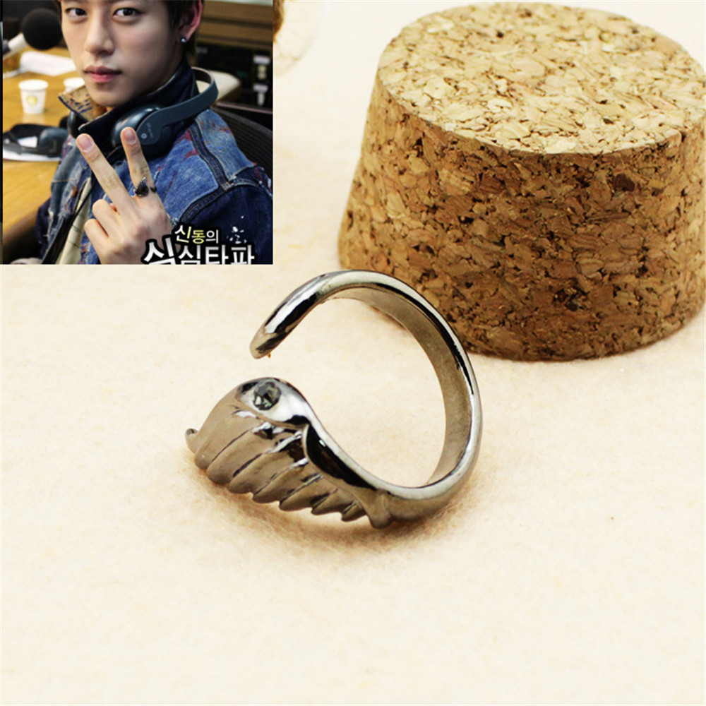 """""""Wholesale KPOP BAP B.A.P Best Absolute Perfect rabbit group Silver wing ring Men Women rings Z0169"""