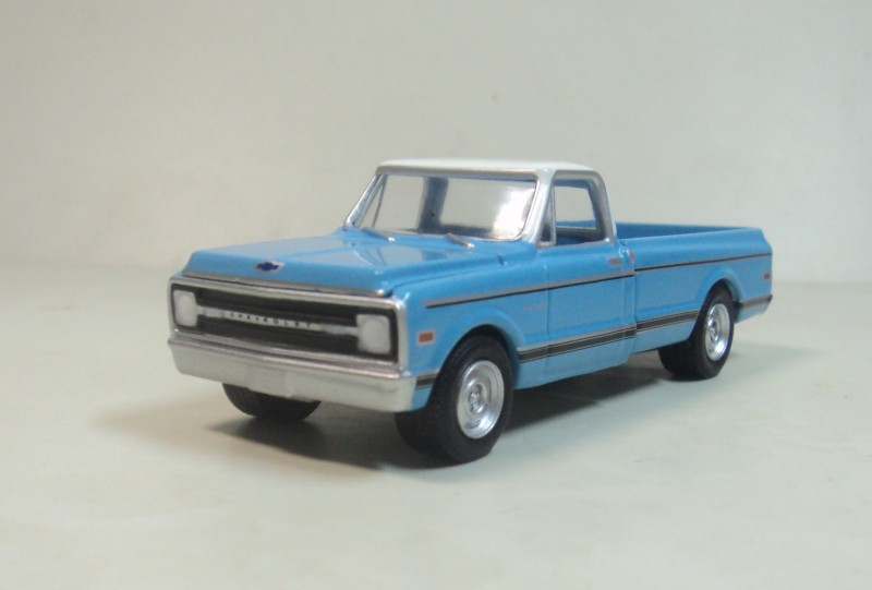 C10 GREENLIGHT 1:64 Chevrolet pickup 1970 truck model Chevrolet(China (Mainland))