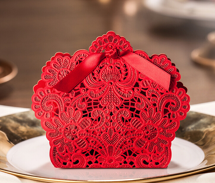 Wedding Favors And Gifts Baby Shower Christmas Red Laser Cut Romantic Decoration Flower Elegant Party Sweet Paper Candy Box(China (Mainland))